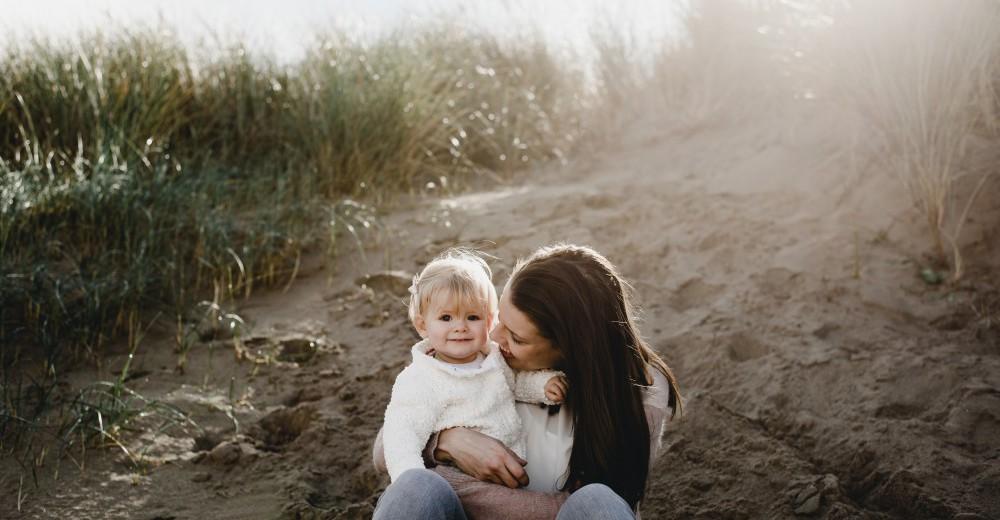 familie lifestyle fotoshoot oostvoorne duinen beminefotografie